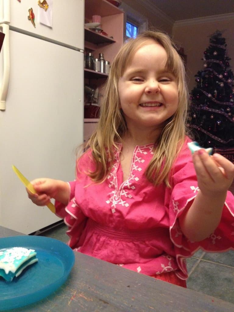 Frozen preschool snack idea: Frozen JELLO