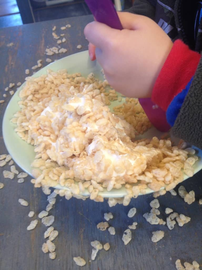 Easy preschool snack idea: rice krispies treats
